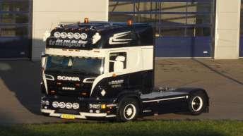 Scania R500 voor Jan van der Meer