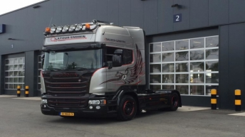 Scania R580 Silver Griffin voor Latour Transport