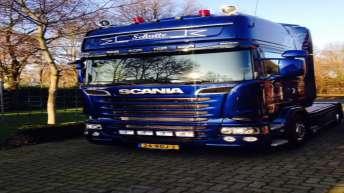 Scania R520 voor Schutte