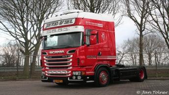 Twee nieuwe Scania R500 trekkers voor J.P. Vis
