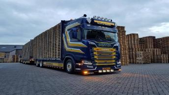 Scania S730 voor Van Oostenbrugge Pallets