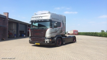 Scania R730 Silver Griffin voor VAEX