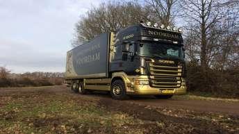 Scania V8 lestruck voor Noordam