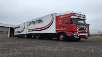 Scania V8 R730 - JP. Vis & Zn.