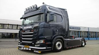 Scania S520 voor Dekker & Crum
