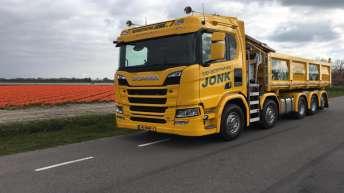 Scania R520 voor Jonk Sierbestrating
