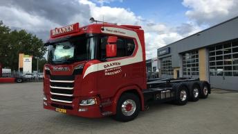 Scania S650 voor Daanen Materieel BV uit Dreumel