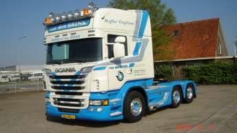 Scania R560 voor Van den Brink