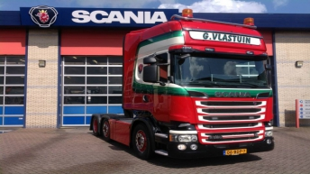 Scania R520 voor G. Vlastuin