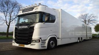 Scania S580 voor Den Hartog