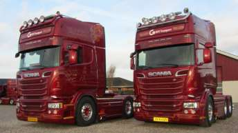 Twee Scania R560 trekkers voor Vallem Maskintransport (DK)