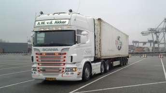 Scania R500 voor A.W. v.d. Akker