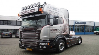 Scania R580 Silver Griffin 077/100 - Van Baak Transport