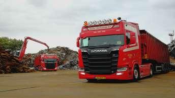 Twee Scania R520 trekkers voor Gebr. Swinkels Metaalrecycling B.V.