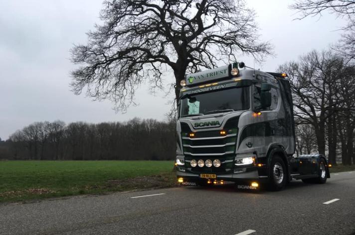 Scania S650 voor Van Triest