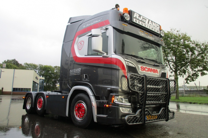 Scania R520 voor RJ vd Zand uit Beusichem
