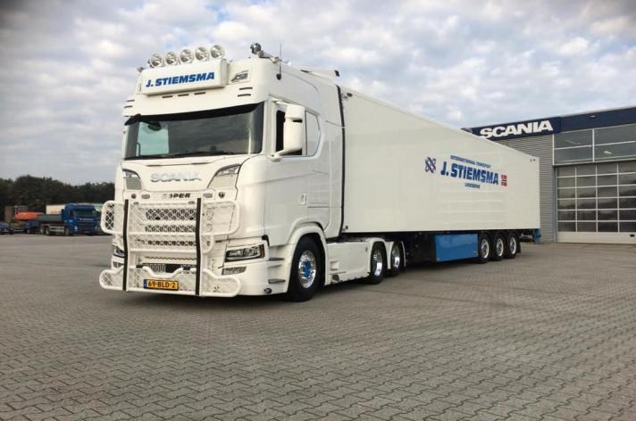 Scania S520 voor J. Stiemsma