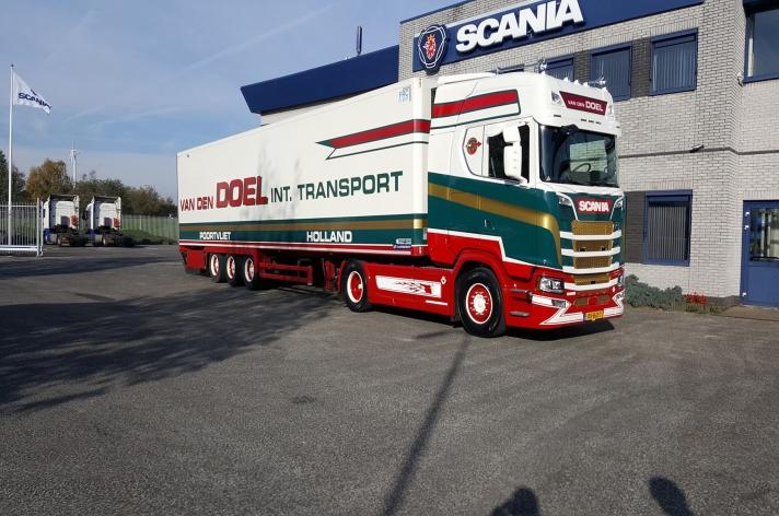 Scania S650 voor A. van den Doel Transport