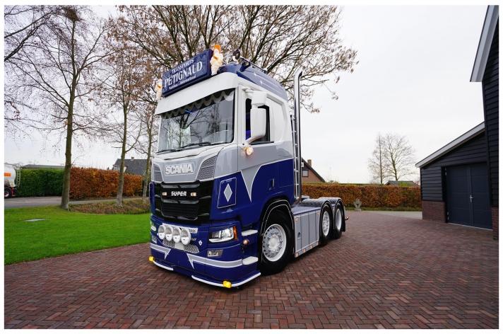 Scania R580 voor Transport Petignaud (FR)