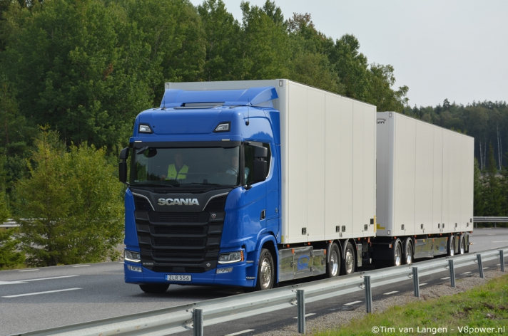 V8power goes Sweden - Scania DemoCenter