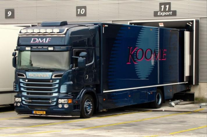 Scania R500 voor Koome