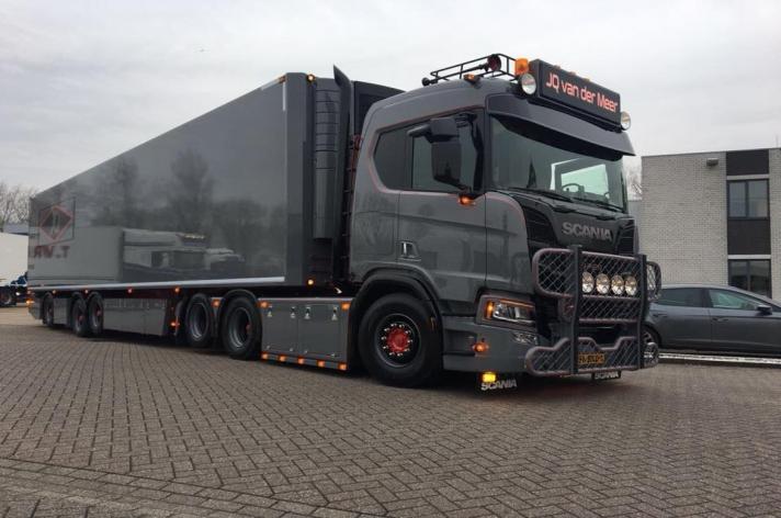 Scania R650 6x2 voor J.Q. Van der Meer