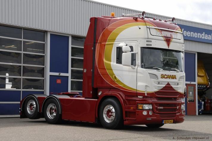 Scania R560 voor P. van Setten