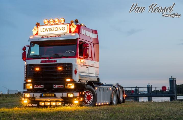 Scania 143 500 voor Lewiszong Bergharen