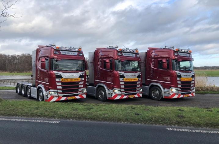 Drie Scania 650S trekkers voor van de Wetering