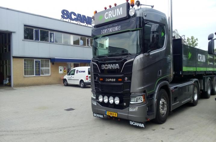 Scania R520 voor Crum Sierbestrating BV