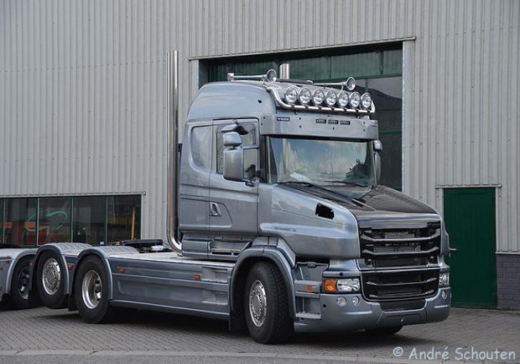 Scania T560 opgebouwd door Vlastuin