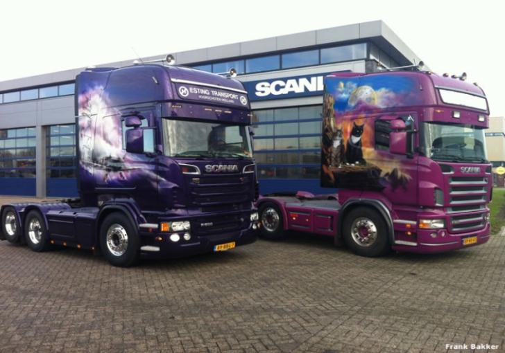 Frank Bakker (Esting Transport) verruilde zijn R500 voorloper voor een nieuwe R500 met sleepas