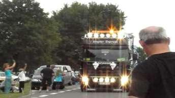 truckstar   uittocht  2010 :  gassen
