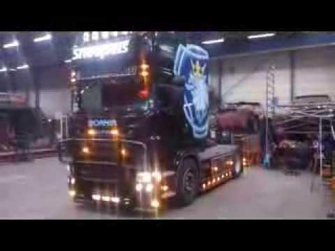 Klapperend het jaar uit! Presented by V8power.nl